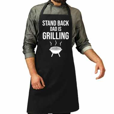 Stand back dad is grilling barbecue / barbecue cadeau kookschort zwar